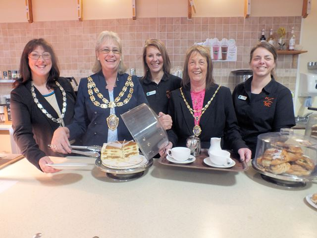 L-R Weston Chamber President Gail Parsons, Weston Mayor Ros Willis, Kay Payne, Mayoress Jos Holder, Emma Bateman