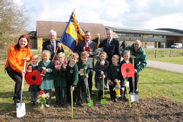 http://www.westonsupermum.com/wp-content/uploads/2015/03/Puxton-Park-staff-with-Castle-Batch-pupils-David-Barry-of-Bristol-Blue-Glass-centre-Royal-British-Legion-members-Copy.jpg