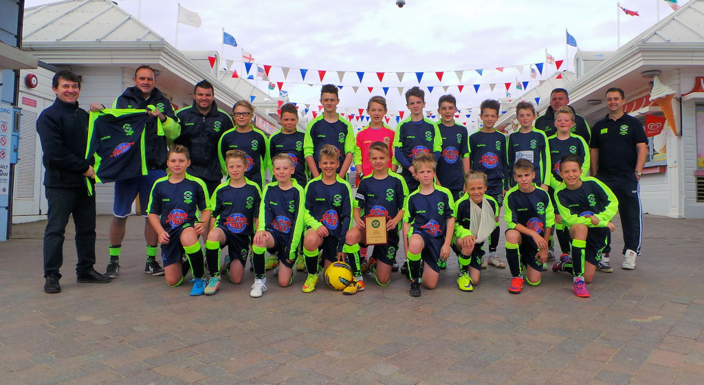 Paul Charalambous presenting Hutton FC U13 with kits - Copy